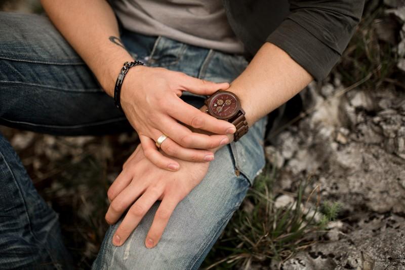 Holzkern Armbanduhr Wildrebe