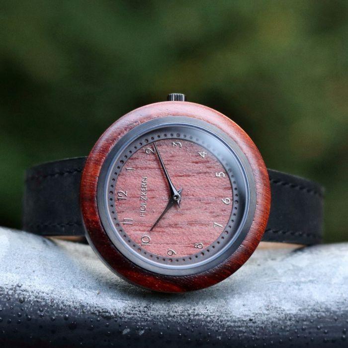 Holzkern Armbanduhr Cape