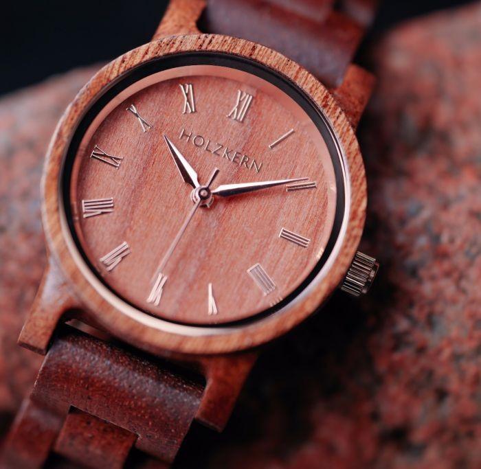 Armbanduhr Holzkern Feuer