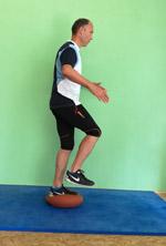 Ballkissen Training Einbeinstand