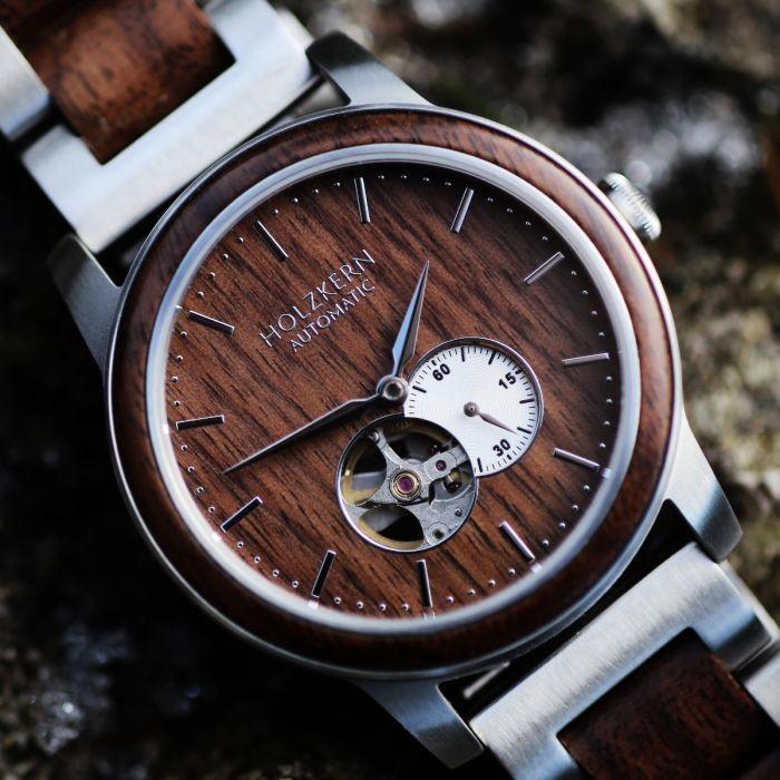 Holzkern Armbanduhr Hongkong