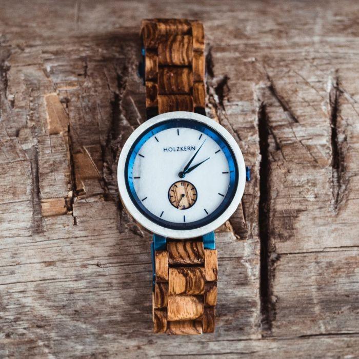 Holzkern Armbanduhr Bolten